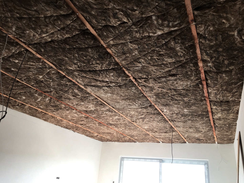 Tepelná a zvuková izolace stropu | Montáž sádrokartonu | SDK Pecák