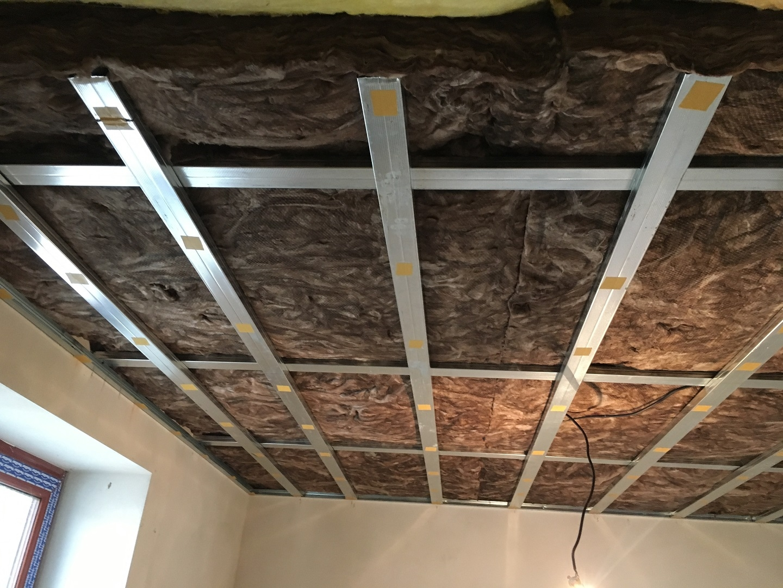 Protihluková a tepelná izolace stropu | Montáže sádrokartonu | SDK Pecák